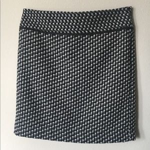 Loft Houndstooth Pencil Skirl Size 2P